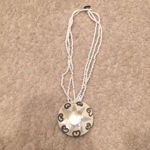 Women's beaded necklace